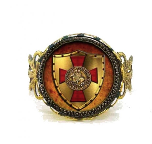 Glass Cabochon Vintage Knights Templar Ring