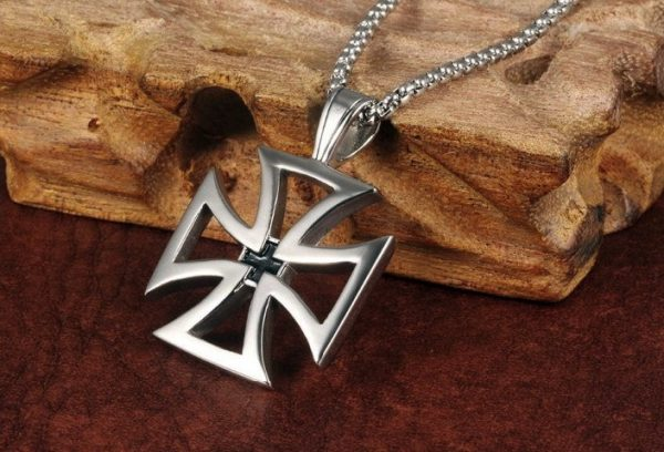 Hollow Stainless Steel Knights Templar Maltese Cross Pendant